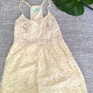 Cream colored lace dress🌺